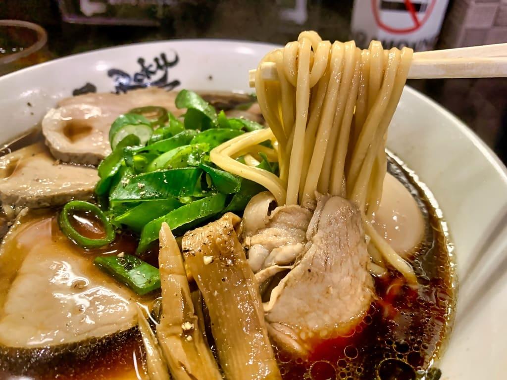 麺屋丈六の高井田系中華そば実食