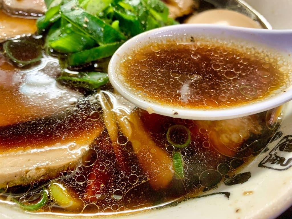 麺屋丈六の高井田系中華そばスープ