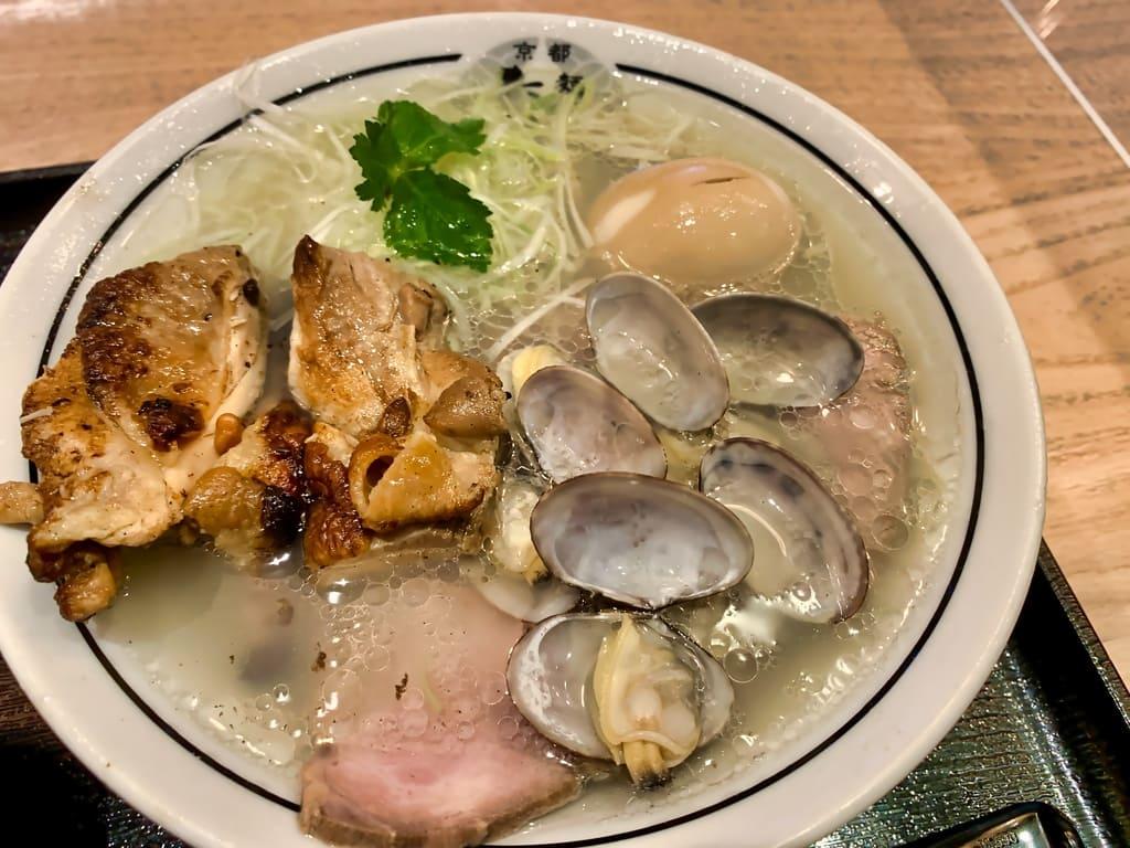 麺屋たけ井洛西口店の特製淡麗塩ラーメン