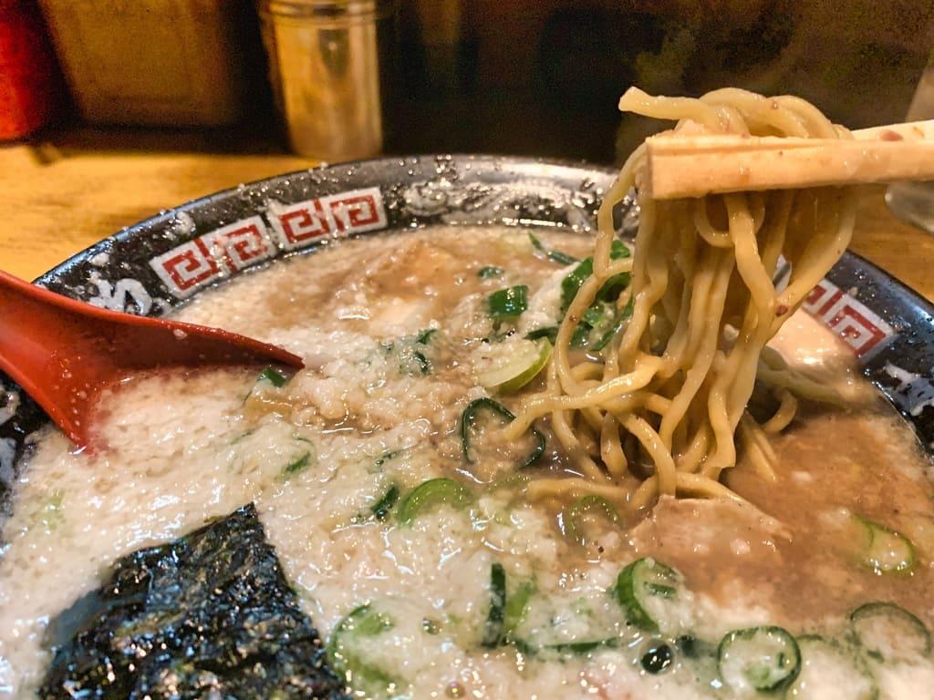無鉄砲大阪本店のとんこつラーメンできるだけこってり実食