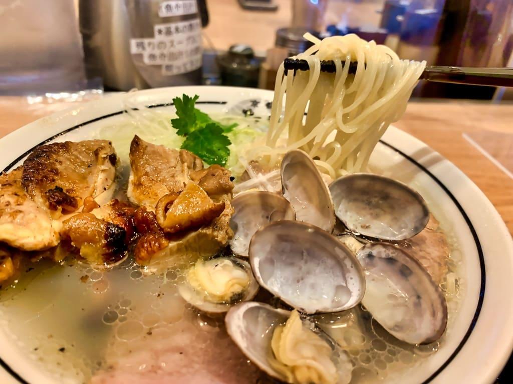 麺屋たけ井洛西口店の特製淡麗塩ラーメン実食