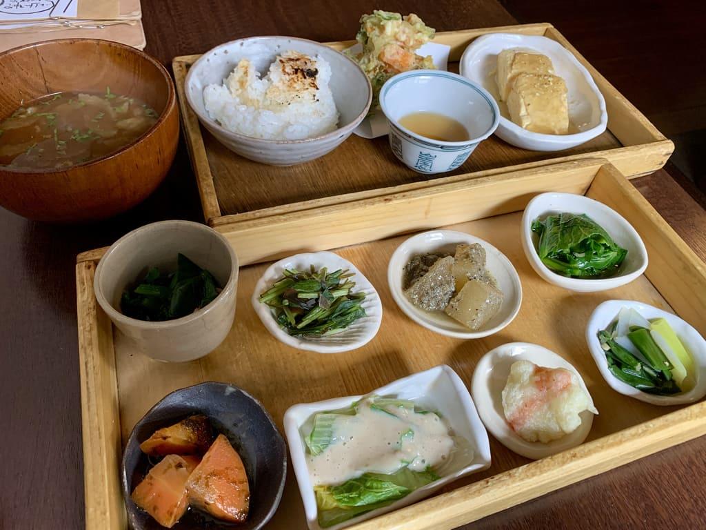 Makan siang kotak makan siang Demachi Rororo 2
