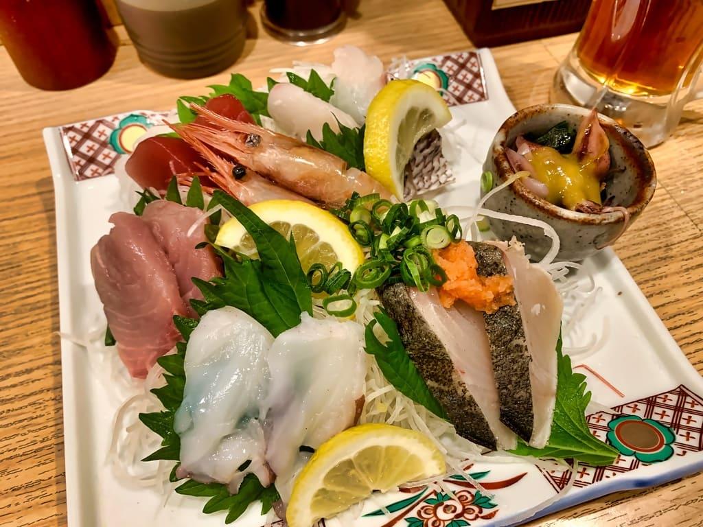 魚屋スタンドふじの魚盛り