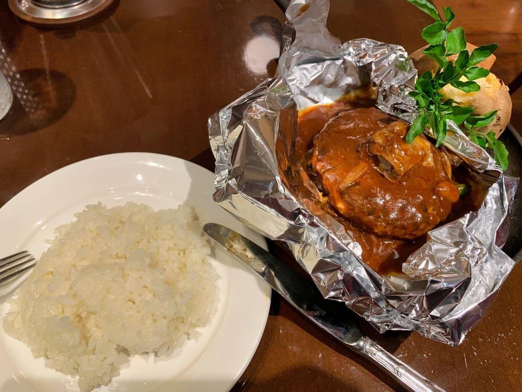 グリルキャピタル東洋亭新大阪店の百年洋食ハンバーグ2