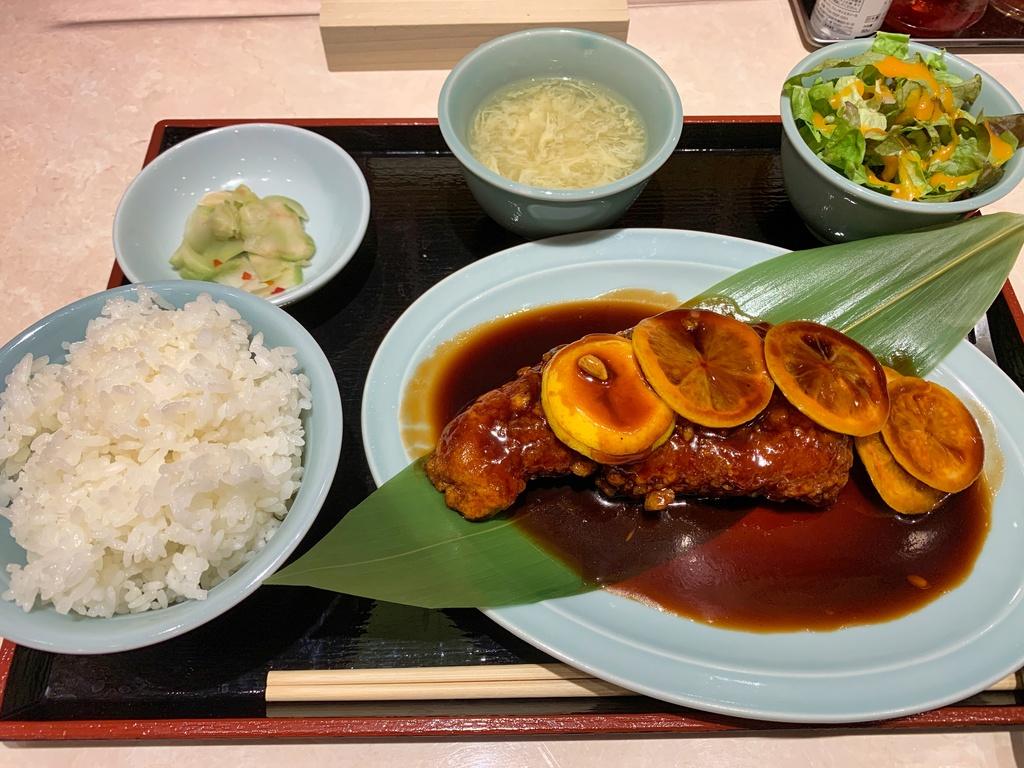 大衆中華食堂若林の名物酢豚定食
