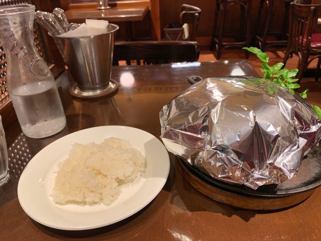 グリルキャピタル東洋亭新大阪店の百年洋食ハンバーグ1