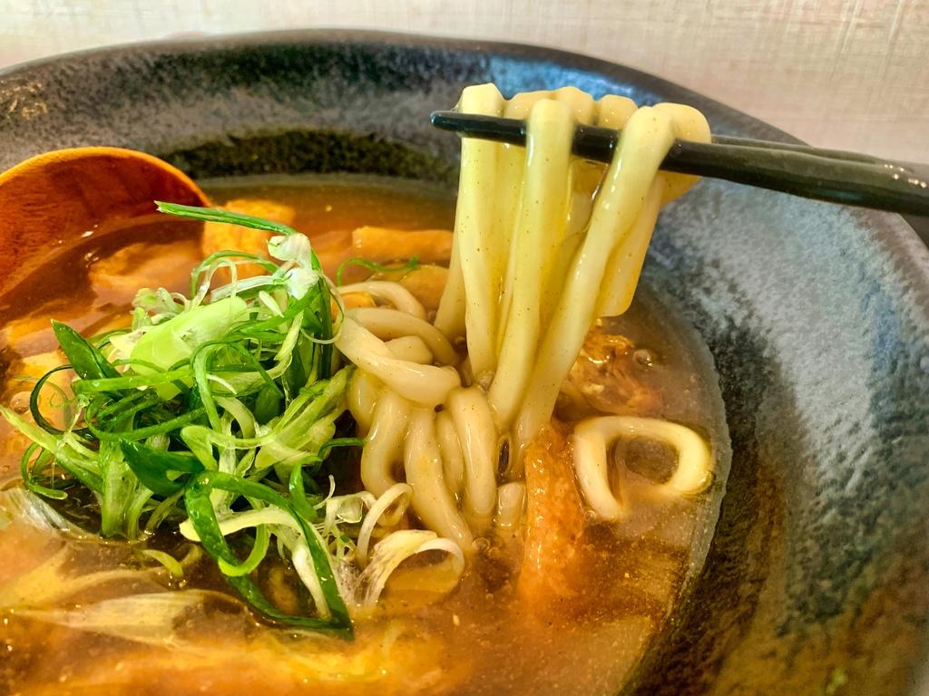 味味香祇園本店のきつねカレーうどん麺