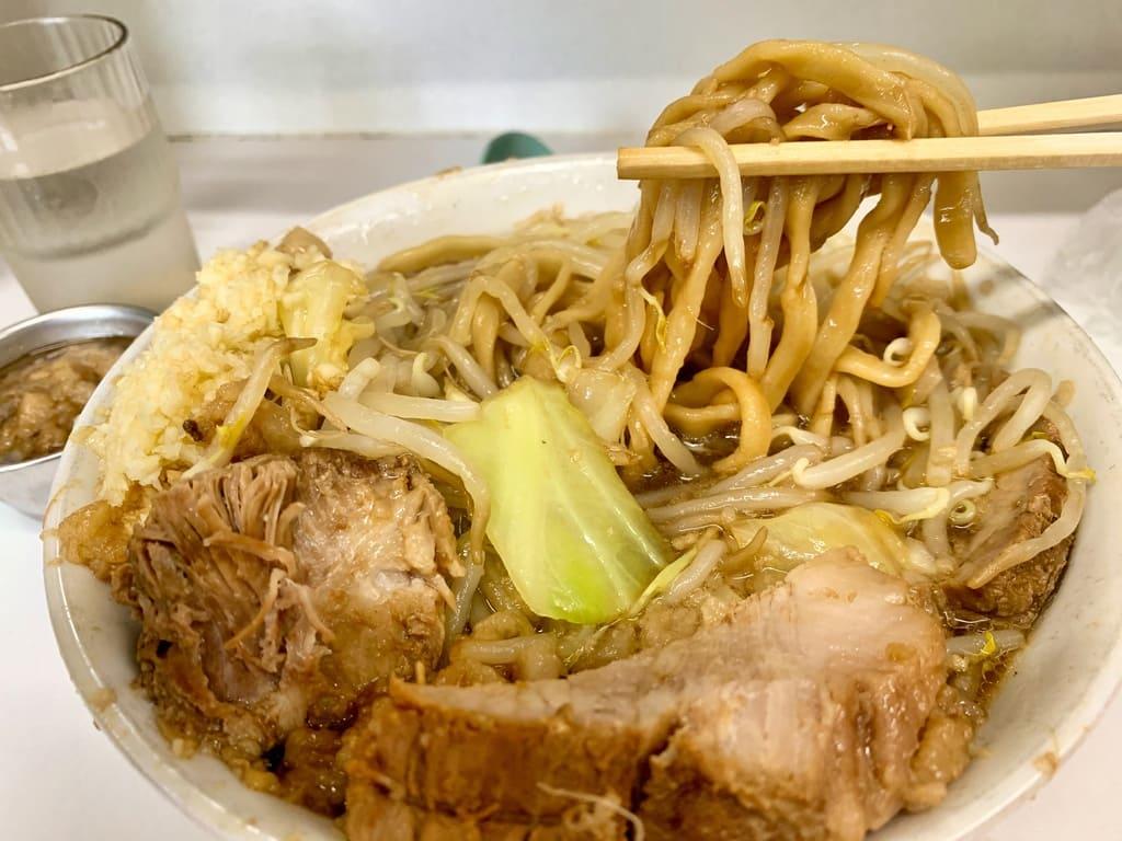 歴史を刻め なかもずのラーメン野菜マシマシ実食3