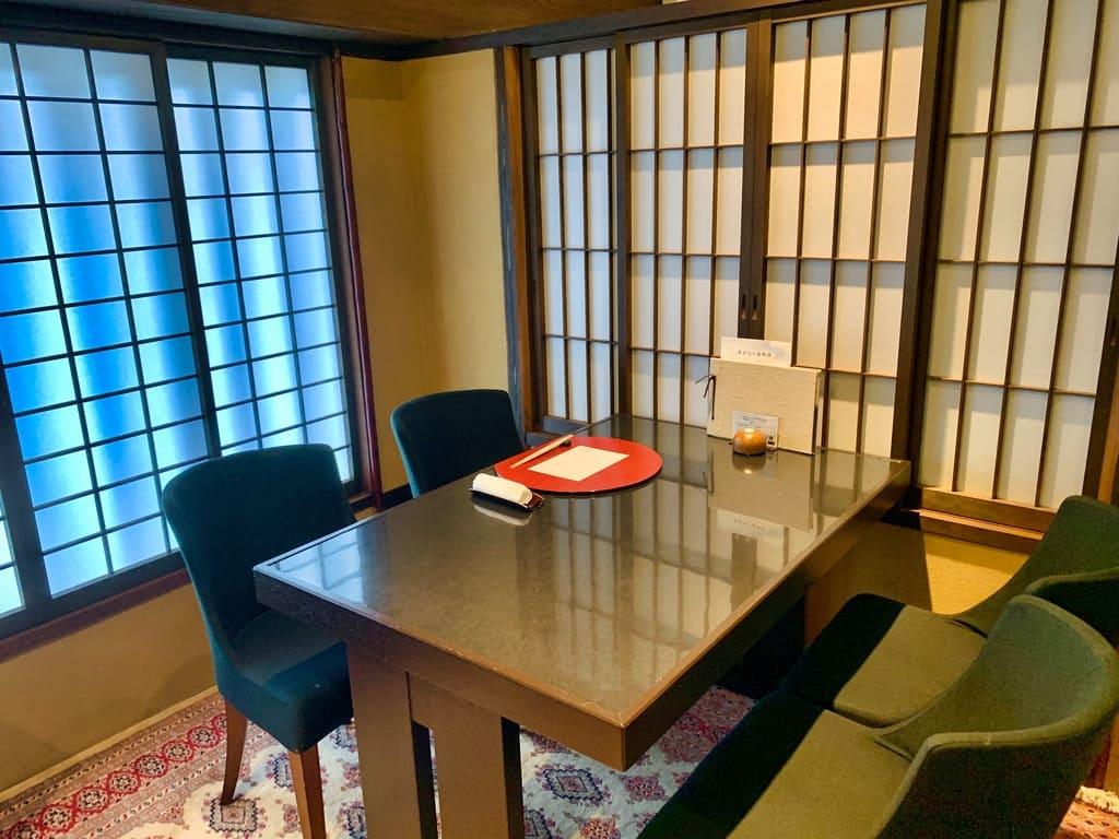 京都一の傳の2階個室