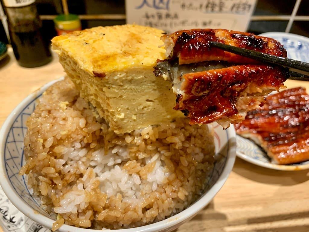 いづも ルクア店のそびえる鰻玉丼実食4