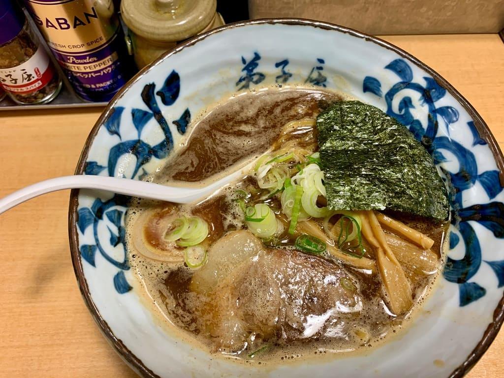 弟子屈ラーメン札幌ラーメン横丁店の魚介しぼり醤油2