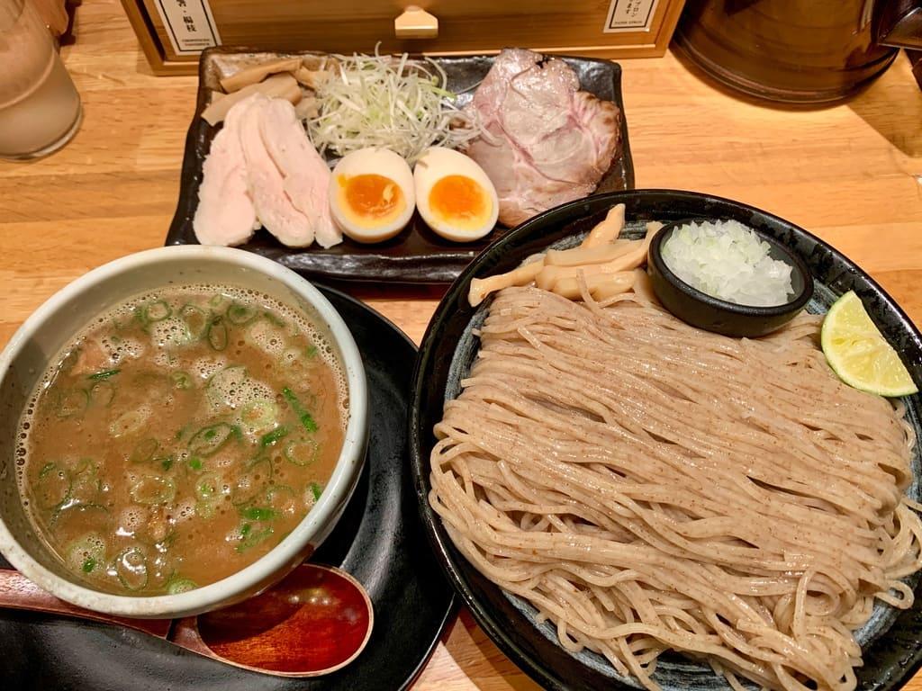 麺匠たか松 京都本店のつけ麺特盛
