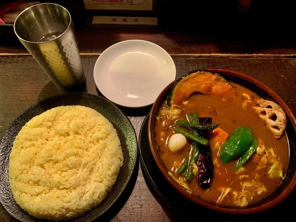 アジアンバーラマイ札幌本店のチキンスープカレー1