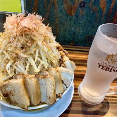 ラーメンつけ麺笑福西中島店の豚Wラーメン斜め上から