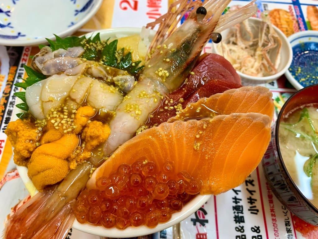 滝波食堂のたきなみ丼実食1